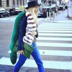 How to wear faux fur. How to style faux fur. Fall Winter Outfits, Autumn Winter Fashion, Winter Wear, Winter Style, Fur Fashion, Fashion Looks, Street Fashion, Mens Fashion, Looks Style