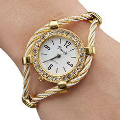 Women's Diamante Case Elegant Alloy Quartz Analog Bracelet Watch (Gold)