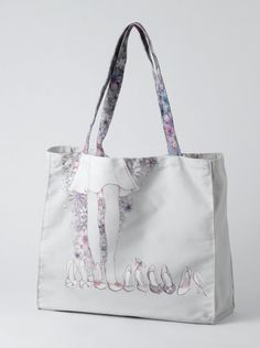 A28228 Style & Gracie Shoes Tote Bag- This canvas tote bag featuring Gracie trying on her favourite shoes, with coordinating straps is a generous size, this tote bag will be the perfect partner for any shopping trip #Glamorous #Style #Bag