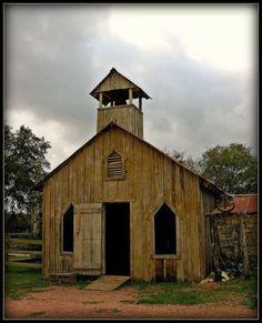 Old Country Church   :::: Churches