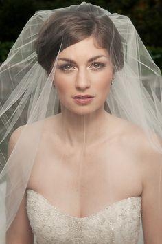 The Wedding Post of Arkansas wedding blog: Arkansas Bride: Britton Blough Smialek *Love the make-up!*