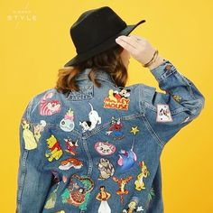 This is the Disney denim jacket of our dreams! ✨ Do it yourself with with a few simple tools, and a lot of Disney inspiration. {link in bio to shop Disney patches}