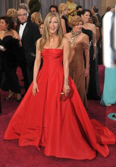 Jennifer Aniston, style : Valentino Oscars 2013