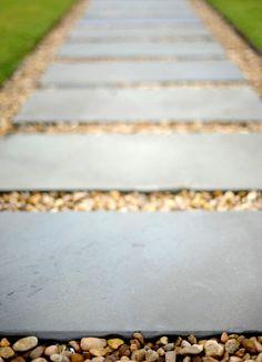 Pea gravel and flagstone