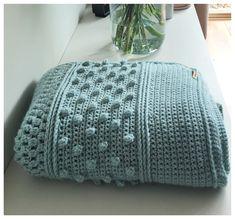 Droomdeken Colour Crafter – Crearies Crochet Home, Knit Or Crochet, Crochet Stitches, Crochet Cushion Cover, Crochet Cushions, Crotchet Blanket, Crochet Blanket Patterns, Knitting Paterns, Manta Crochet