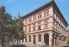 1975 BOLOGNA, ITALIA – Cassa di Risparmio – Piazza Minghetti