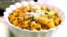 Giada De Laurentiis shares a great five-ingredient recipes: mezzi rigatoni with butternut squash and spicy sausage.