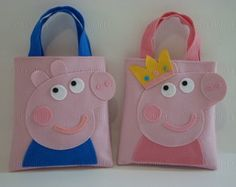 Lembrancinha/Sacola surpresa Peppa Pig e George Pig Sacola surpresa infantil… Peppa Pig Bag, Projects For Kids, Sewing Projects, Cow Craft, George Pig, Pig Party, Paper Gift Bags, Baby Girl Birthday, Handmade Christmas Gifts