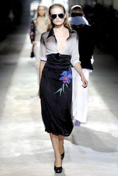 Dries Van Noten Spring 2011 Ready-to-Wear Fashion Show - Hanne Gaby Odiele (IMG)