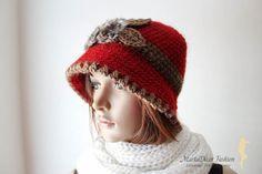 De punto acogedor Croche gorro de las mujeres con un apliques de terciopelo rojo y marrón
