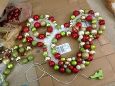 Chip and Co reader, Ashely K. Carnes, shared this fantastic tutorial for creating a beautiful Mickey Head Bulb Wreath and I can't wait to make my own! Christmas decorations Step by Step Instructions To Create Your Own Mickey Head Bulb Wreath Disney Christmas Crafts, Disney Christmas Decorations, Mickey Christmas, Disney Crafts, Disney Halloween, Diy Christmas Gifts, Christmas Projects, Holiday Crafts, Christmas Wreaths