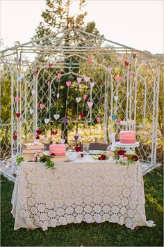 dessert table :: lace tablecloth