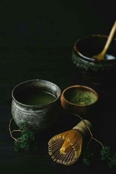 """monteton: """" I have ordered my very first matcha tea ceremony set and cannot wait for it to arrive. I have never tried matcha before but I have a feeling that I'll start having tea parties every. Japanese Tea Ceremony, Tea Ceremony Japan, Tea Culture, Tea Powder, Tea Art, Matcha Green Tea, My Tea, Cacao, Drinking Tea"""