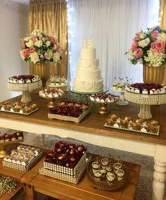 White Wedding Decorations, Wedding Themes, Wedding Cakes, Dessert Bar Wedding, Dessert Table, Sweet 16 Birthday, 15th Birthday, Sweet Sixteen Parties, Dash And Albert