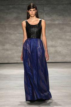 david tlale highres - New York Fashion Week Fall-Winter 2014 - David Tlale - Gallery - Modelixir Universe Hi Fashion, Africa Fashion, Runway Fashion, Fashion Show, Fashion Design, Woman Fashion, African Women, Ready To Wear, Street Style