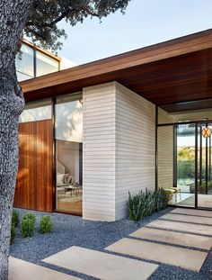 Located in Austin, Texas, this contemporary single family residence was designed in 2015 by BF Homes