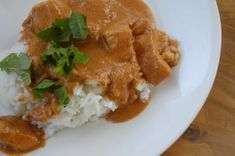 """Chicken Tikka Masala: another pinner says """"Yum! I am a chicken tikka masala snob, and this was delicious. I've been trying to re-create this dish at home for years, and this is the best! Pollo Tikka Masala, Chicken Tikka Masala, Indian Chicken, Chicken Tika, Garam Masala, Tandoori Masala, Best Dinner Recipes, Indian Food Recipes, Vegetarian"""