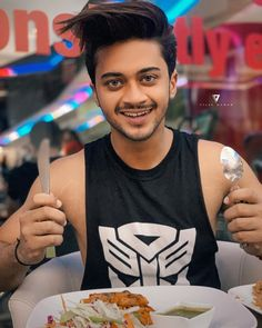 Eating is as important as workout for me Dear Crush, My Crush, Musically Star, Photoshoot Pose Boy, Good Morning Post, Chocolate Boys, Crazy Fans, Cute Stars, Team 7