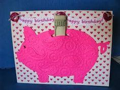Spaarvarken van papier op een kaart plakken en zijn buikje vullen!