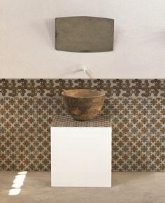 Pavimento/rivestimento in gres porcellanato smaltato AZULEJ GRIGIO FLORES Collezione AZULEJ by MUTINA | design Patricia Urquiola