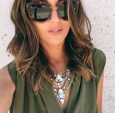 Brunette Hair Color With Highlights, Balayage Hair Blonde, Brown Blonde Hair, Hair Color Dark, Hair Highlights, Balayage Lob, Honey Balayage, Color Highlights, Medium Hair Cuts