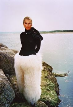 fur fashion directory is a online fur fashion magazine with links and resources related to furs and fashion. furfashionguide is the largest fur fashion directory online, with links to fur fashion shop stores, fur coat market and fur jacket sale. Only Fashion, Fur Fashion, Fashion Trends, Iconic Dresses, Nice Dresses, Fashion Documentaries, Tory Burch, Vintage Ski, Vintage Couture
