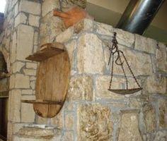 Μπισκότα κανέλας με μέλι και καστανή ζάχαρη - cretangastronomy.gr Firewood, Texture, Crafts, Painting, Home Decor, Art, Homemade Home Decor, Craft Art, Surface Finish