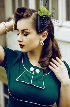 74 best Retro/Vintage/PinUp Hairstyles & Makeup Luv images on …–s-hairstyles-pin-up-hairstyles. Look Retro, Look Vintage, Vintage Beauty, Vintage Ideas, Retro Ideas, Vintage Glam, Vintage Shoes, Vintage Inspired, Moda Rockabilly