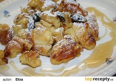 Babiččin trhanec s jablky recept - TopRecepty.cz What To Cook, Desert Recipes, Kitchen Hacks, French Toast, Goodies, Food And Drink, Sweets, Lunch, Dishes