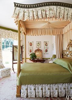 This Gothic Revival House in the English Countryside Is Not What It Seems to Be - Rose-pattern chintz unifies the master suite; the antique canopy bed from And So to Bed is combined - English Country Decor, French Country Bedrooms, French Country Decorating, Country Chic, Beautiful Bedrooms, Beautiful Interiors, King Bedroom Sets, Master Bedrooms, Cool Rooms