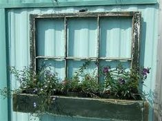 old windows.just retrieved 6 old windows out of the barn.they were in our house before we put in storm windows. This planter is on my list to do. Old Wood Windows, Reclaimed Windows, Recycled Windows, Vintage Windows, Barn Windows, Antique Windows, Diy Old Windows Ideas, Vintage Window Decor, Diy Windows