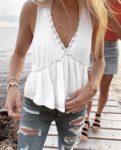 shirt,white top,white,lace top,summer outfits Source by fmarzinek shirts Cute Summer Outfits, Trendy Outfits, Summer Clothes, Boho Spring Outfits, Outfits For Concerts, Chic Outfits, Cute Summer Shirts, Cute Everyday Outfits, Ootd Spring