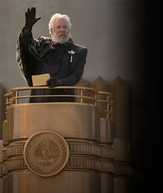 New HUNGER GAMES: CATCHING FIRE Character Photos: President Snow