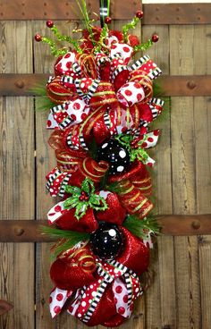 httpwwwpinterestcomstampingblingwreaths and - Decorated Christmas Wreaths Pinterest