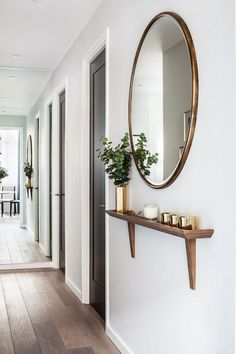 hallway decorating 781304235343108201 - Remarkable DIY Small Apartment Decoration Ideas … remarkable DIY small apartment decorating ideas Source by ajpetiannus Decor, Apartment Living, Small Apartment Decorating, Hallway Decorating, Apartment Entryway, Diy Apartments, Home Decor, House Interior, Diy Small Apartment