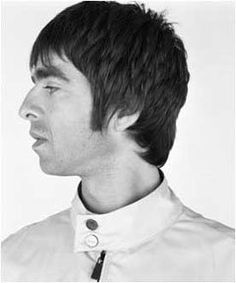 Noel Gallagher cuando formaba parte de Oasis y ahora como solista. Aah! y también cuando era un chiquitín!!!. Gracias por pasar!!. Si les gustó no se vayan sin...