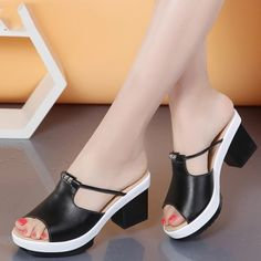 53 ideas womens fashion party heels for 2019 Black Heels Low, Low Heels, Casual Heels, Casual Summer Outfits, Low Heel Shoes, Shoes Heels, Red Shoes, White Shoes, Summer Day Outfits