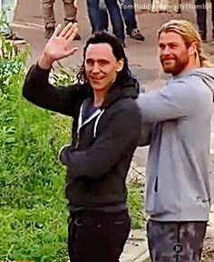 Tom Hiddleston and Chris Hemsworth on the set of Thor: Ragnarok, in Brisbane, Australia, August 2016. Gif-set (by tomhiddleston-gifs): http://tomhiddleston-gifs.tumblr.com/post/149298773719/tom-hiddleston-and-chris-hemsworth-on-the-set-of