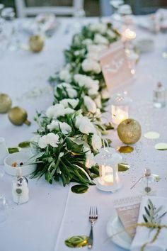 New wedding reception centerpieces diy branches ideas Wedding Reception Centerpieces, Beach Wedding Favors, Diy Centerpieces, Wedding Souvenir, Flower Decorations, Wedding Decorations, Decor Wedding, Provence Wedding, Greece Wedding