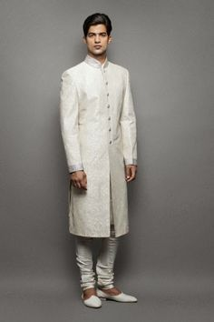 Online Indian Mens sherwanis : Dress up in the Finest and Elegant Mens Wedding Sh...
