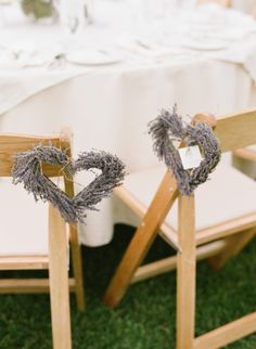 Lavender heart aisle markers for wedding. Photography by michaelandannacosta.com