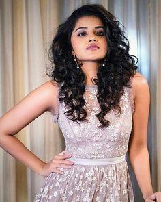 Nice Looking So Beautiful Hire Stylish 💖 Anupama Parameswaran, Most Beautiful Indian Actress, South Indian Actress, Real Beauty, India Beauty, Looking Gorgeous, Indian Actresses, My Girl, Nidhi Agarwal