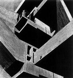 Photo by Lucien Hervé Architect Le Corbusier Amazing Architecture, Architecture Details, Modern Architecture, Le Corbusier, Ahmedabad, Luigi Snozzi, Art Public, Lucien, Concrete Structure