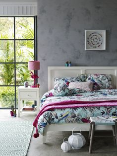 From our exclusive Butterfly by Matthew Williamson range, this duvet set is testament to the brand's unique sense of colour and style.