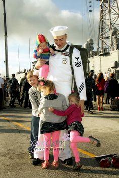 Group hug ~ Daddy's home!!
