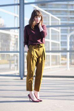 Petit souvenir --- Violaine Olga Madeleine --- Viou --- Fashion Blogger, Paris, Streetstyle, Fashion, Top oversize rayé Zara, Pantalon taille haute olive Zara, Escarpins pompons cuir Kookaï