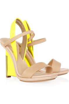 The pop of yellow in these Reed Krakoff #shoeoftheday is pure perfection! IMHO