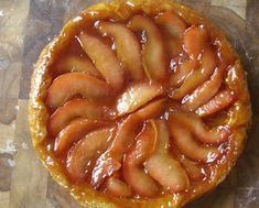 Aan Jeanne`s Keukentafel: Stoofpeertjes Taart Dutch Recipes, Home Recipes, Pear Tarte Tatin, Love Cake, Cake Cookies, Apple Pie, Sweet Treats, Food And Drink, Sweets