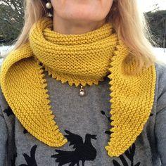 Châle jaune pour débutante - Rose fée des belles choses Crochet Shawl, Knit Crochet, Knit Wrap, Cowl, Scarves, Knitting, Pattern, Accessories, Shawls