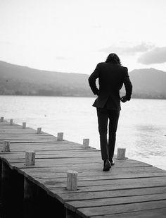 #augustcollection #navidad #christmas #colección #hombre #catalogo #ETAFASHION #etafashion #lago #sanpablo #Imbabura #clothes #ropahombre #men #abrigo #pantalon #botin #muelle #blackandwhite